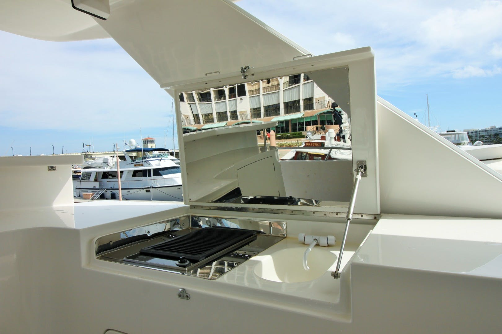 2007 Symbol 71' Flush Deck MY No Name | Picture 5 of 42