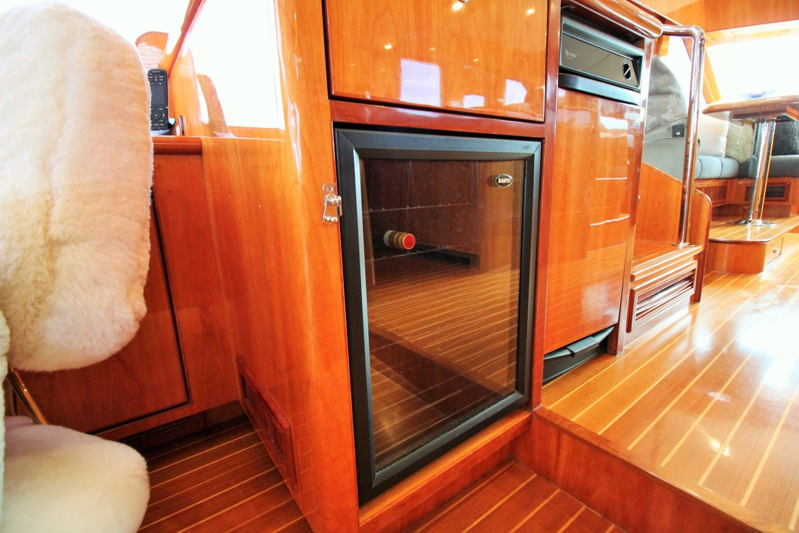 2007 Symbol 71' Flush Deck MY No Name | Picture 2 of 42