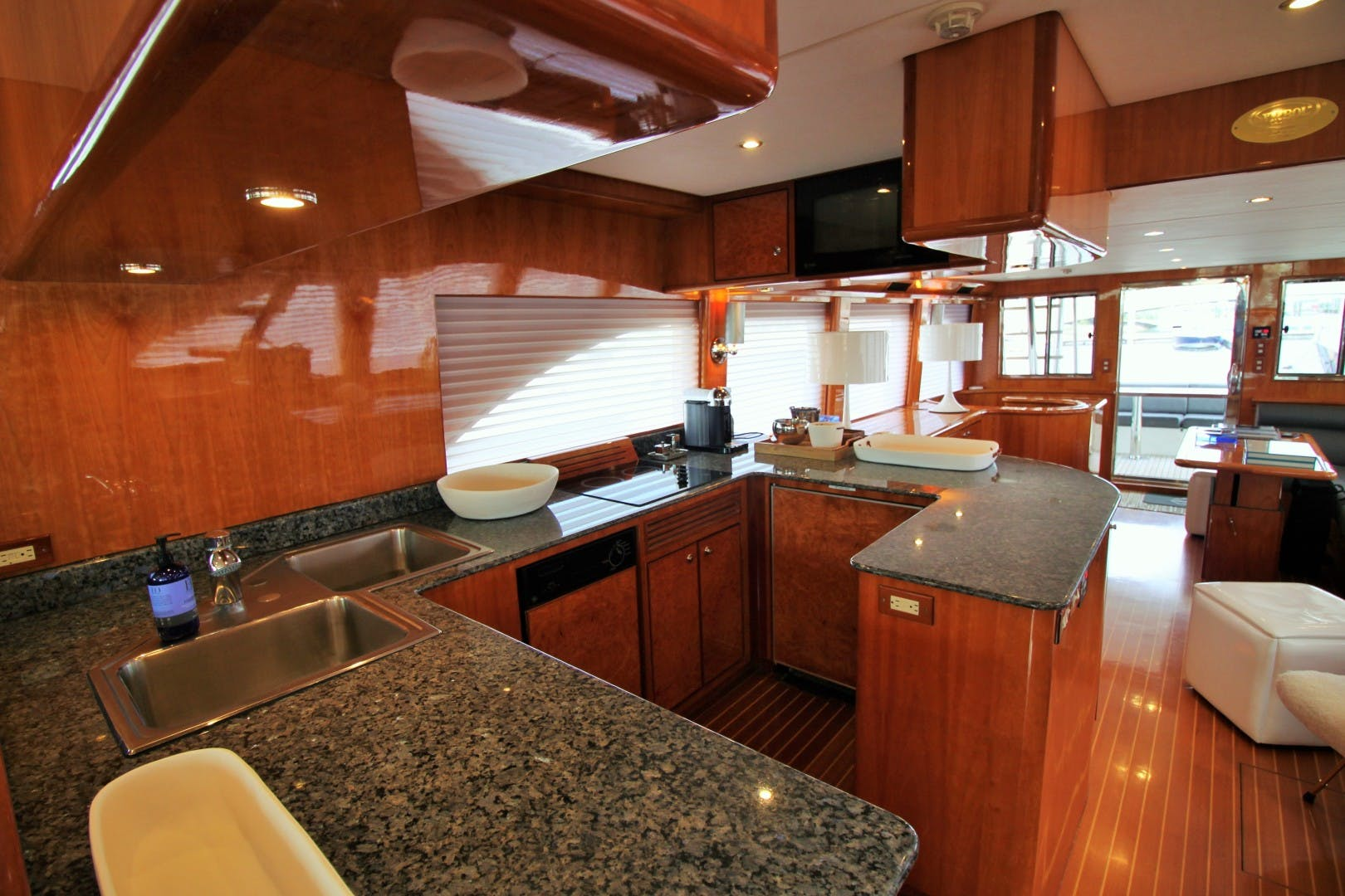 2007 Symbol 71' Flush Deck MY No Name | Picture 4 of 42
