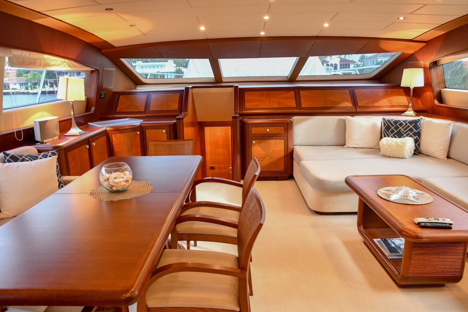 2004 Mangusta 105'  Eye Play   Picture 7 of 27