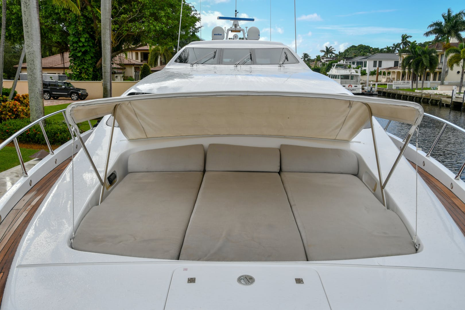 2004 Mangusta 105'  Eye Play   Picture 2 of 27