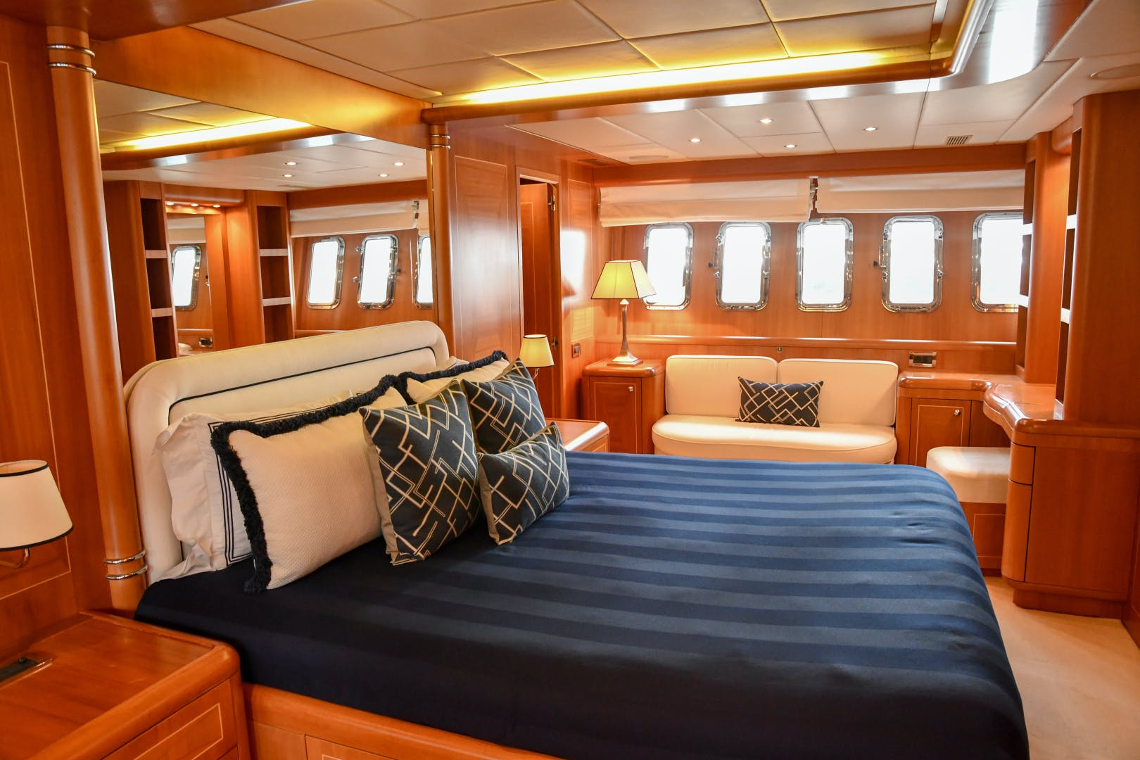2004 Mangusta 105'  Eye Play   Picture 1 of 27