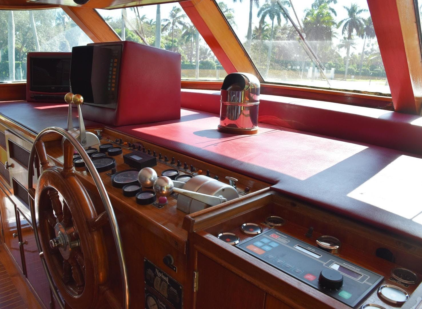 1980 Burger 79' Flybridge Motoryacht Absolutli Rutli  | Picture 5 of 14