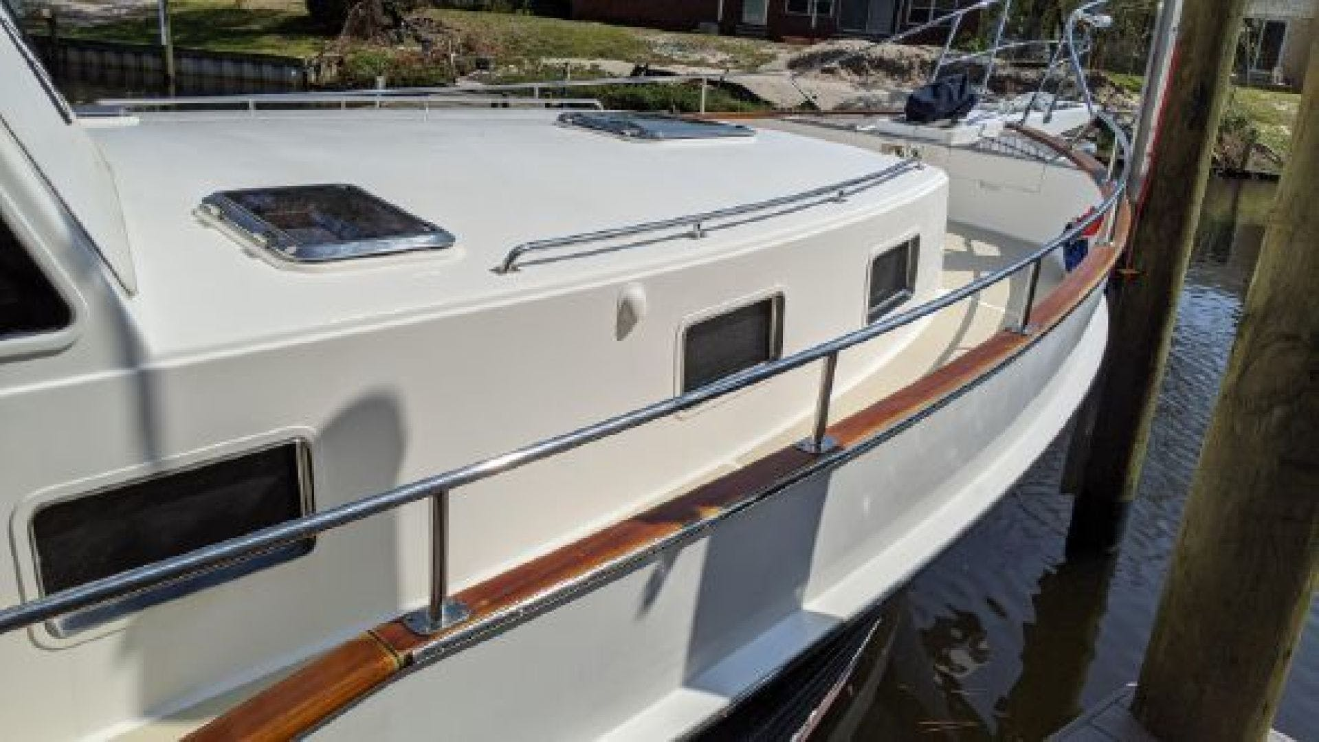 2006 Grand Banks 47'   | Picture 4 of 47