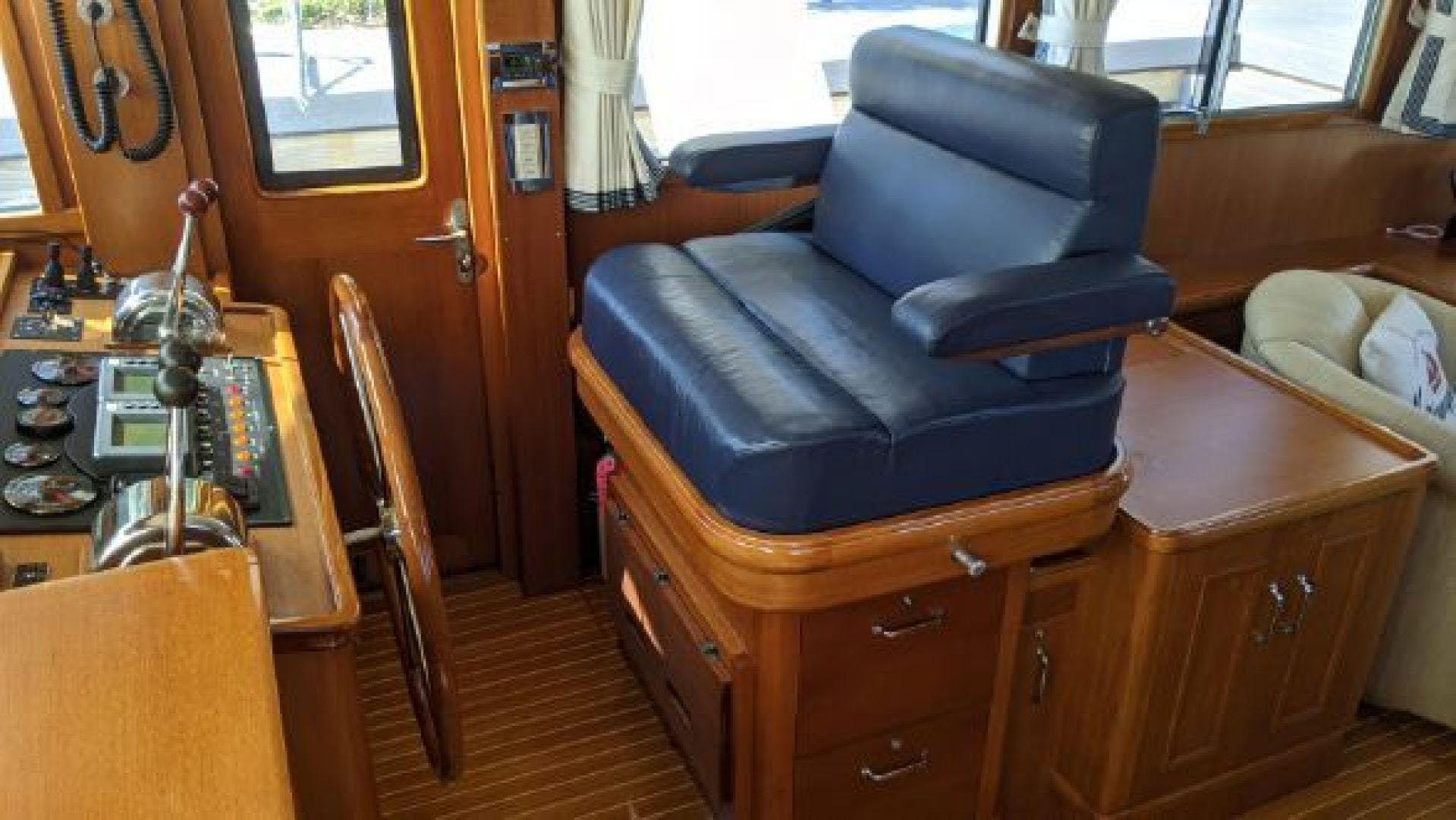 2006 Grand Banks 47'   | Picture 2 of 47