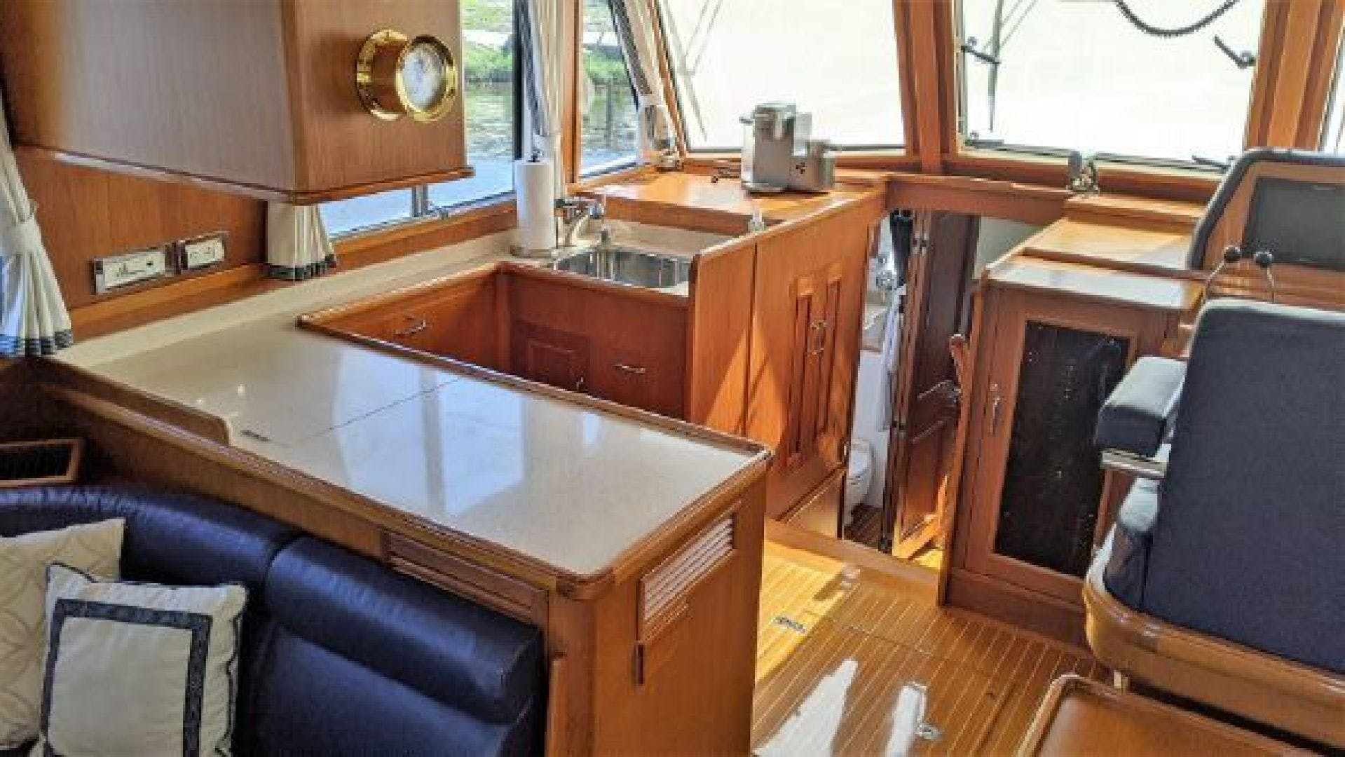 2006 Grand Banks 47'   | Picture 8 of 47