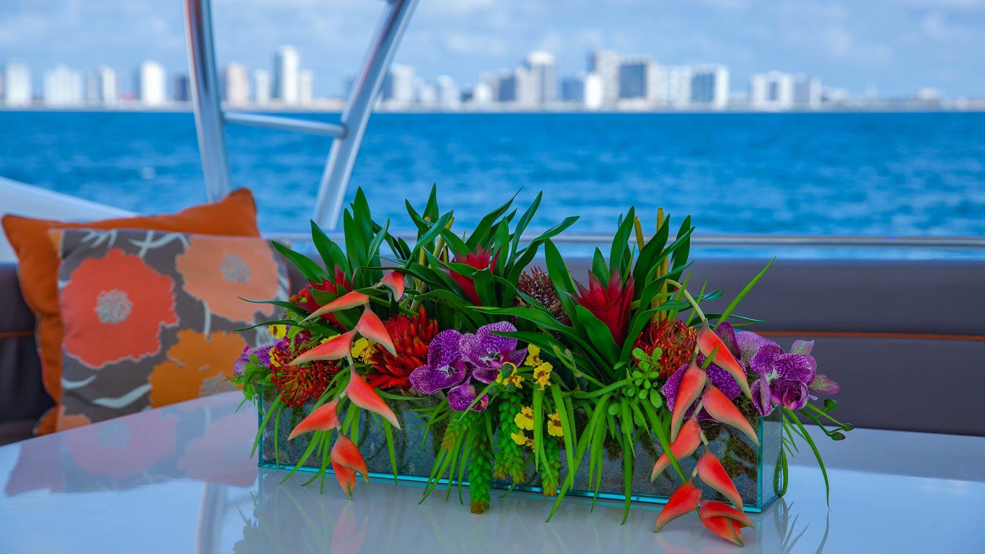 2001 Ferretti Yachts 94'  Sea Spray | Picture 8 of 41