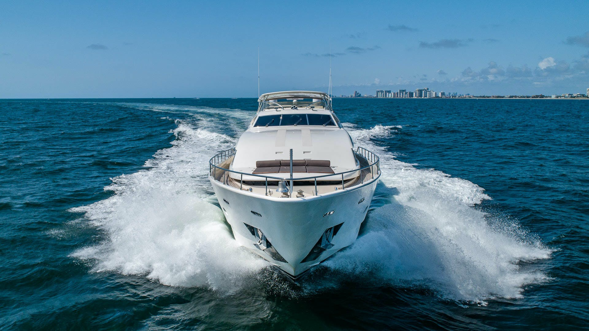 2001 Ferretti Yachts 94'  Sea Spray | Picture 4 of 41