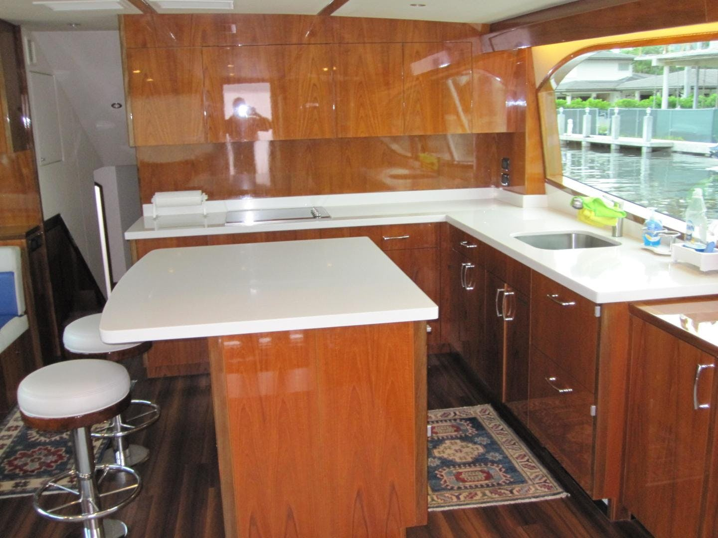 2018 Hatteras 63' GT63    Picture 2 of 46