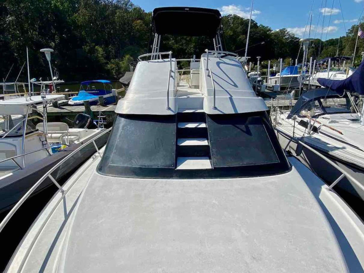 1990 Luhrs 34' 3400  Bottom's Up | Picture 7 of 95