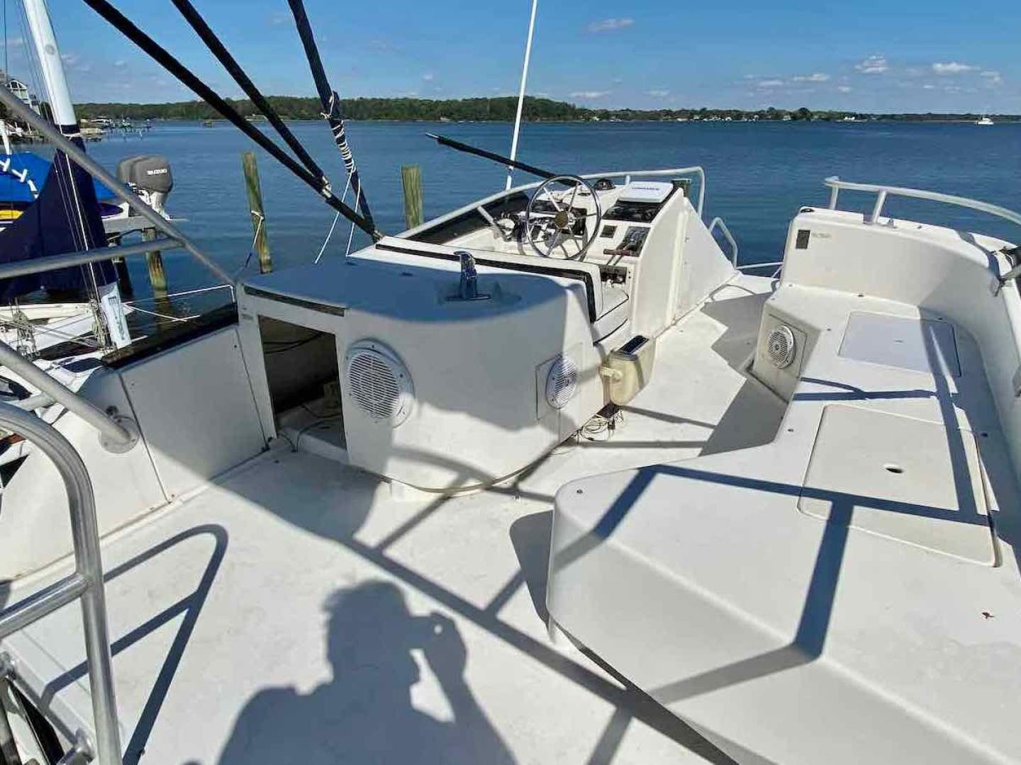 1990 Luhrs 34' 3400  Bottom's Up | Picture 6 of 95