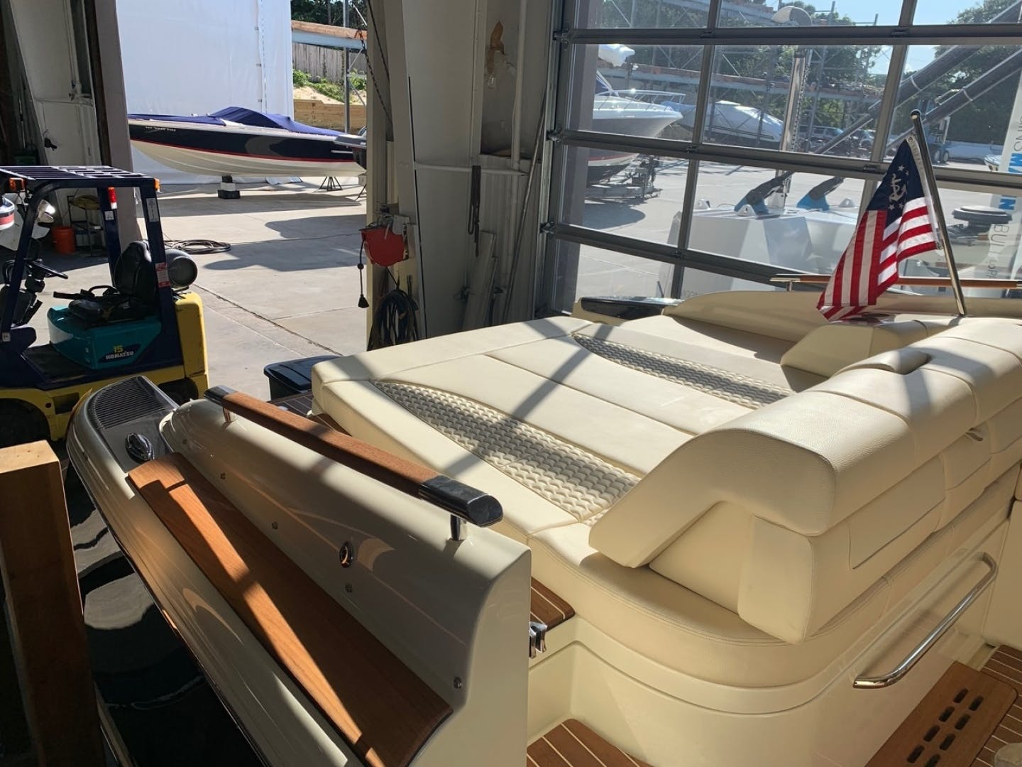 2019 Chris-Craft 35' Launch 35 GT    Picture 4 of 18