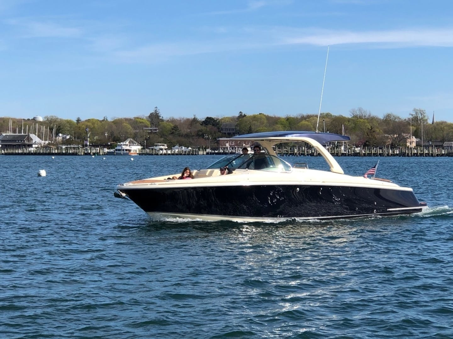 2019 Chris-Craft 35' Launch 35 GT    Picture 2 of 18
