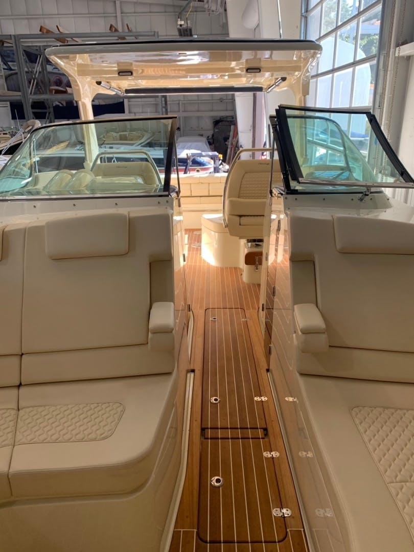 2019 Chris-Craft 35' Launch 35 GT    Picture 6 of 18