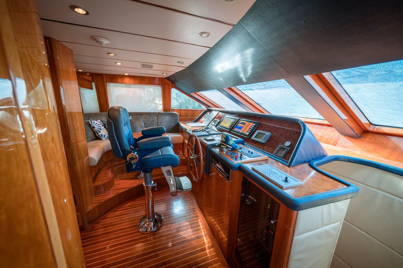2006 Hargrave 97' 97 Motor Yacht The Program   Picture 4 of 26