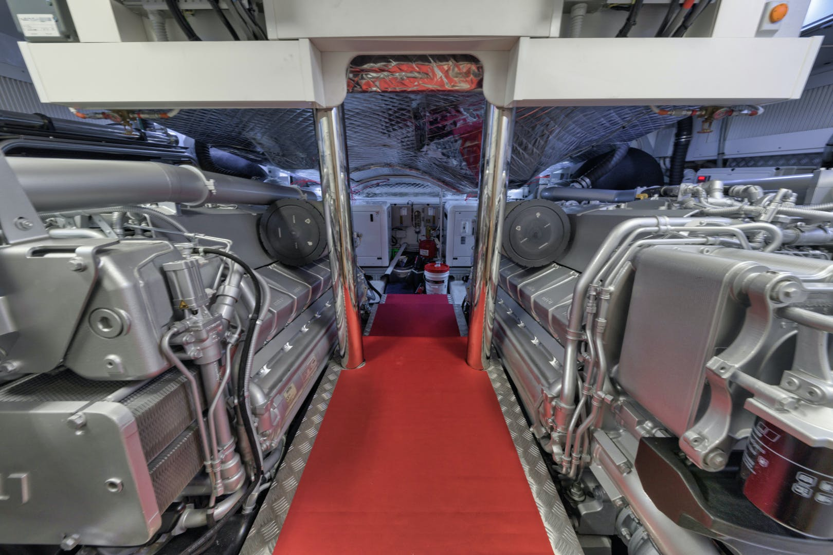 2020 Pershing 92' 9X Q | Picture 2 of 27