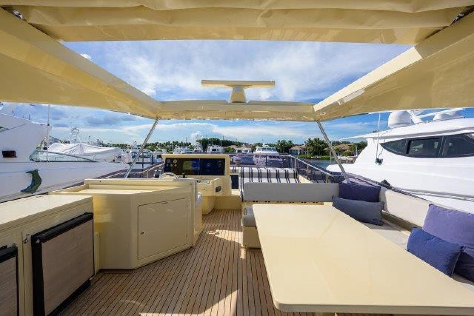2010 Ferretti Yachts 84' Altura 840 MISS ALLIED | Picture 3 of 76