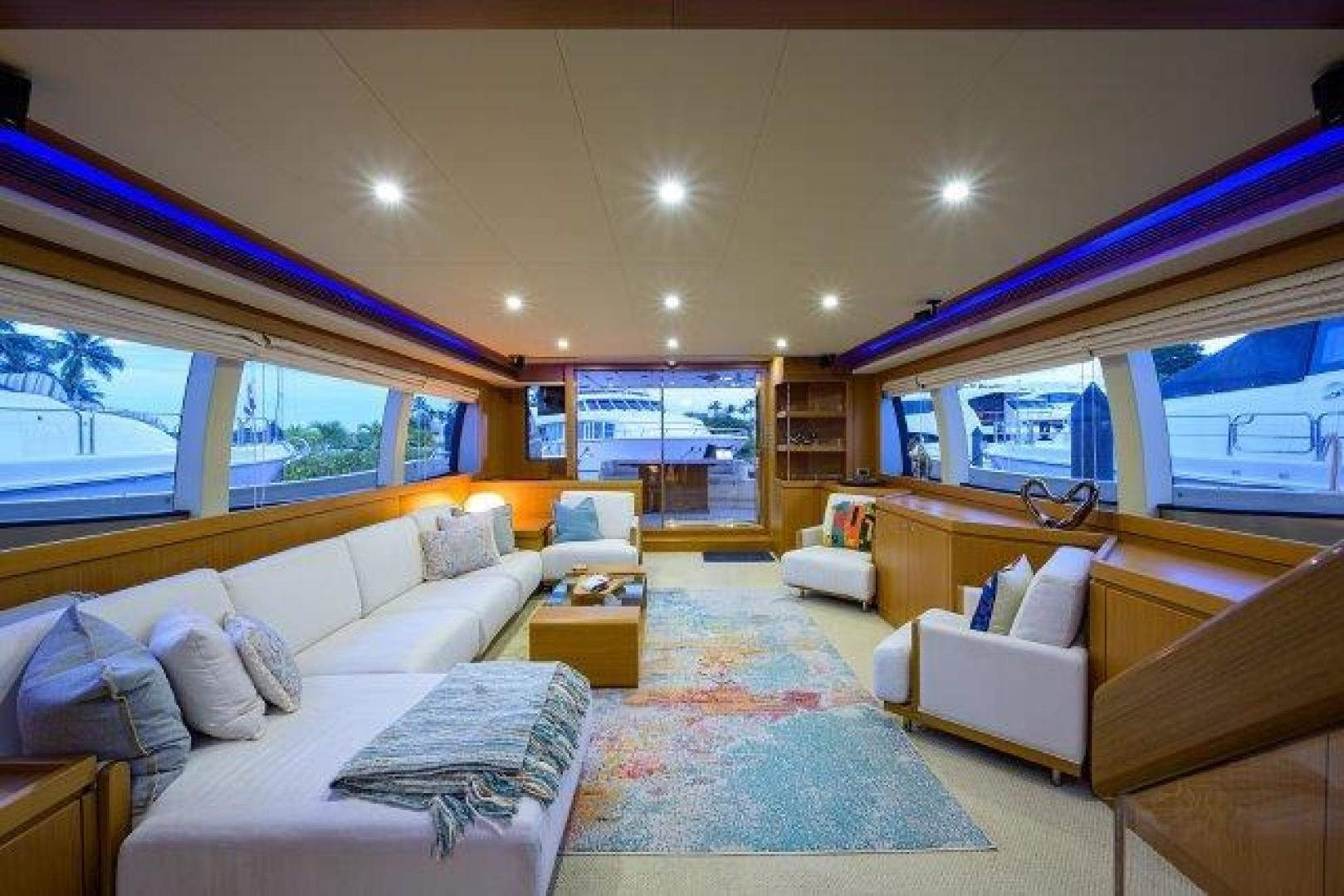 2010 Ferretti Yachts 84' Altura 840 MISS ALLIED | Picture 4 of 76