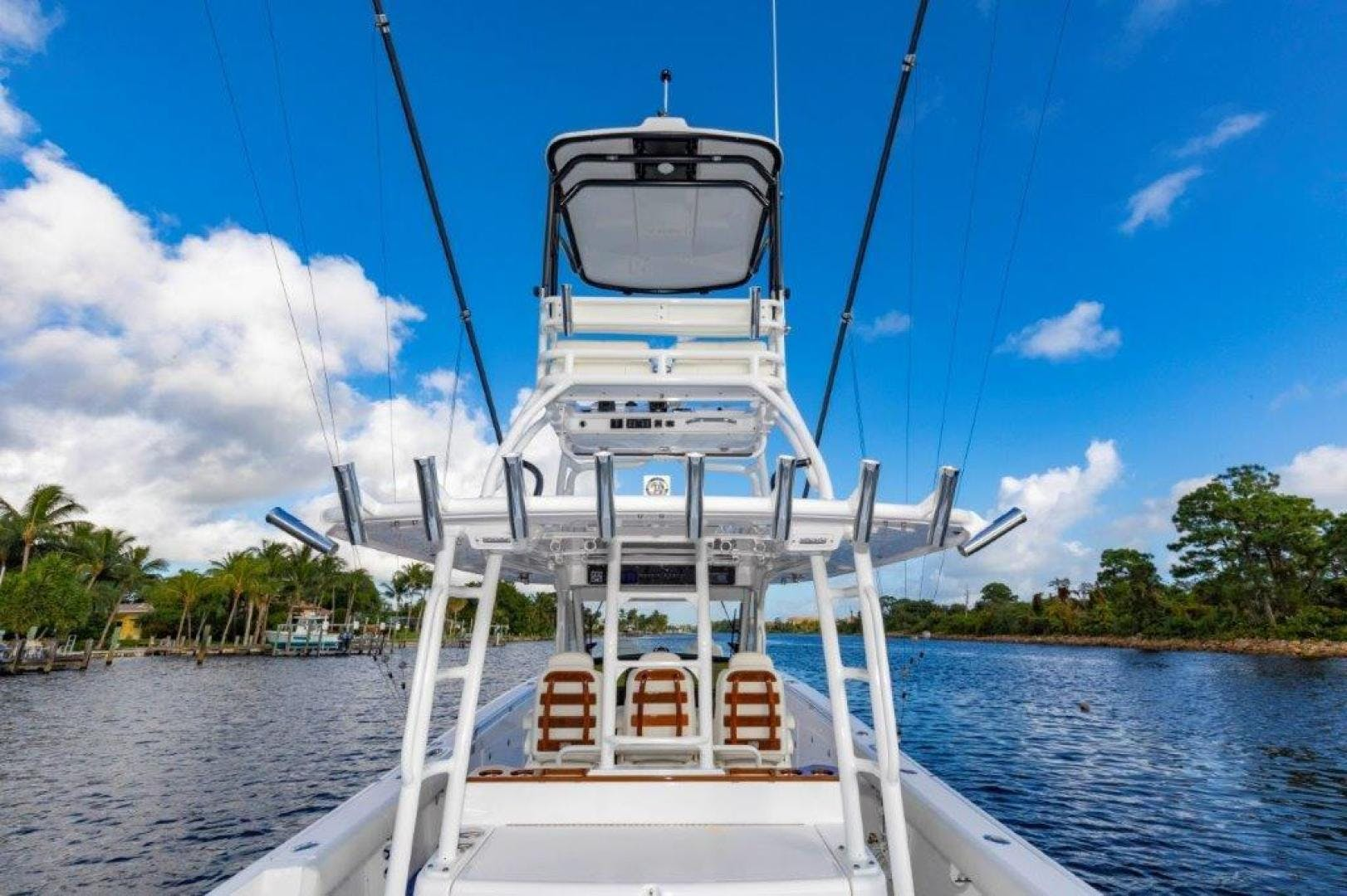 2019 Everglades 43' 435 Center Console Bahama Papa | Picture 2 of 40