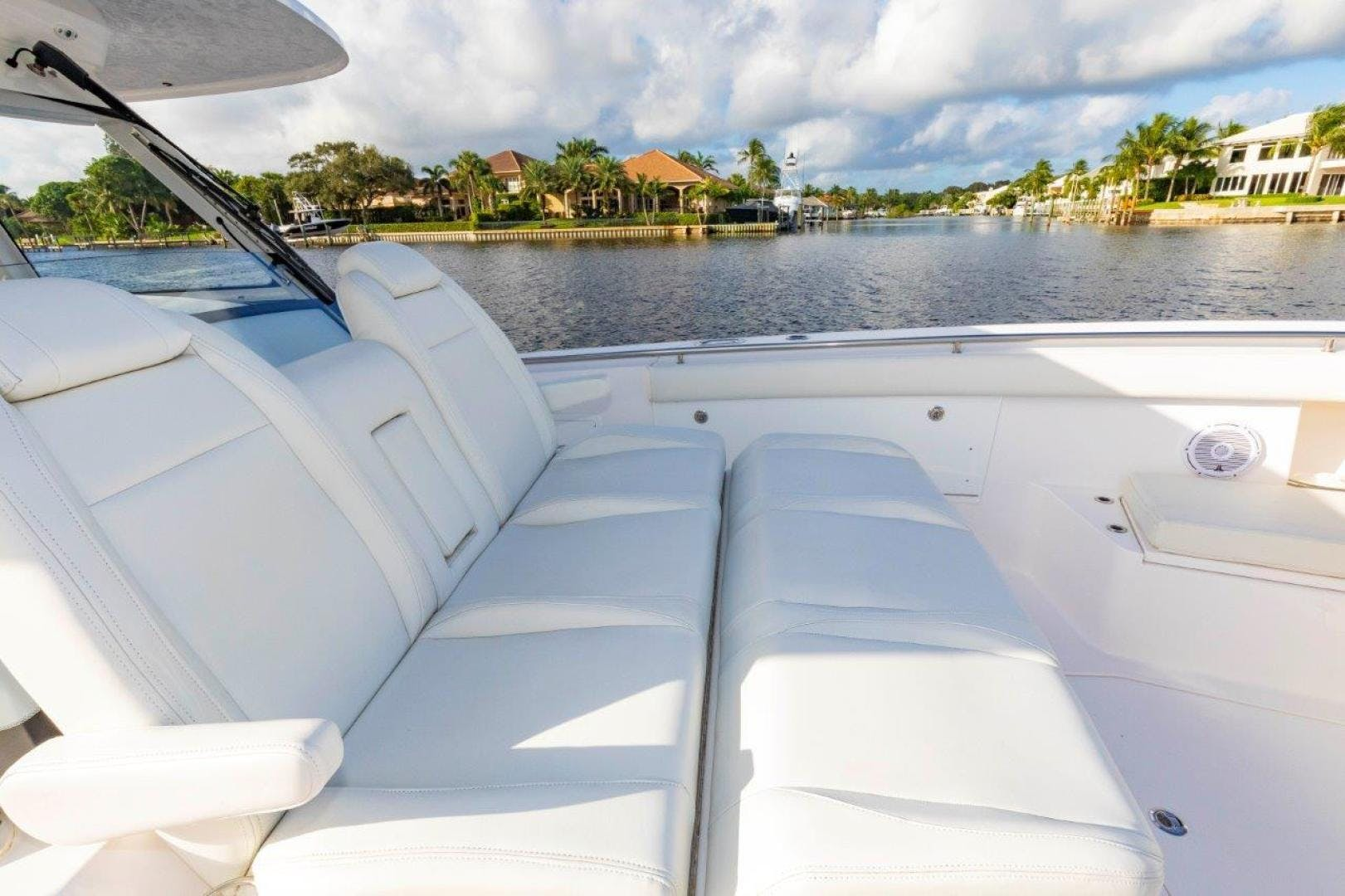 2019 Everglades 43' 435 Center Console Bahama Papa | Picture 4 of 40