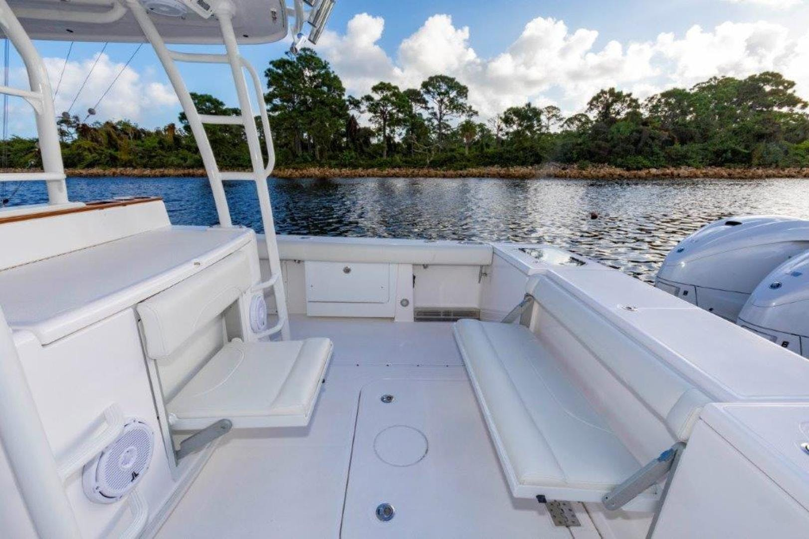 2019 Everglades 43' 435 Center Console Bahama Papa | Picture 6 of 40