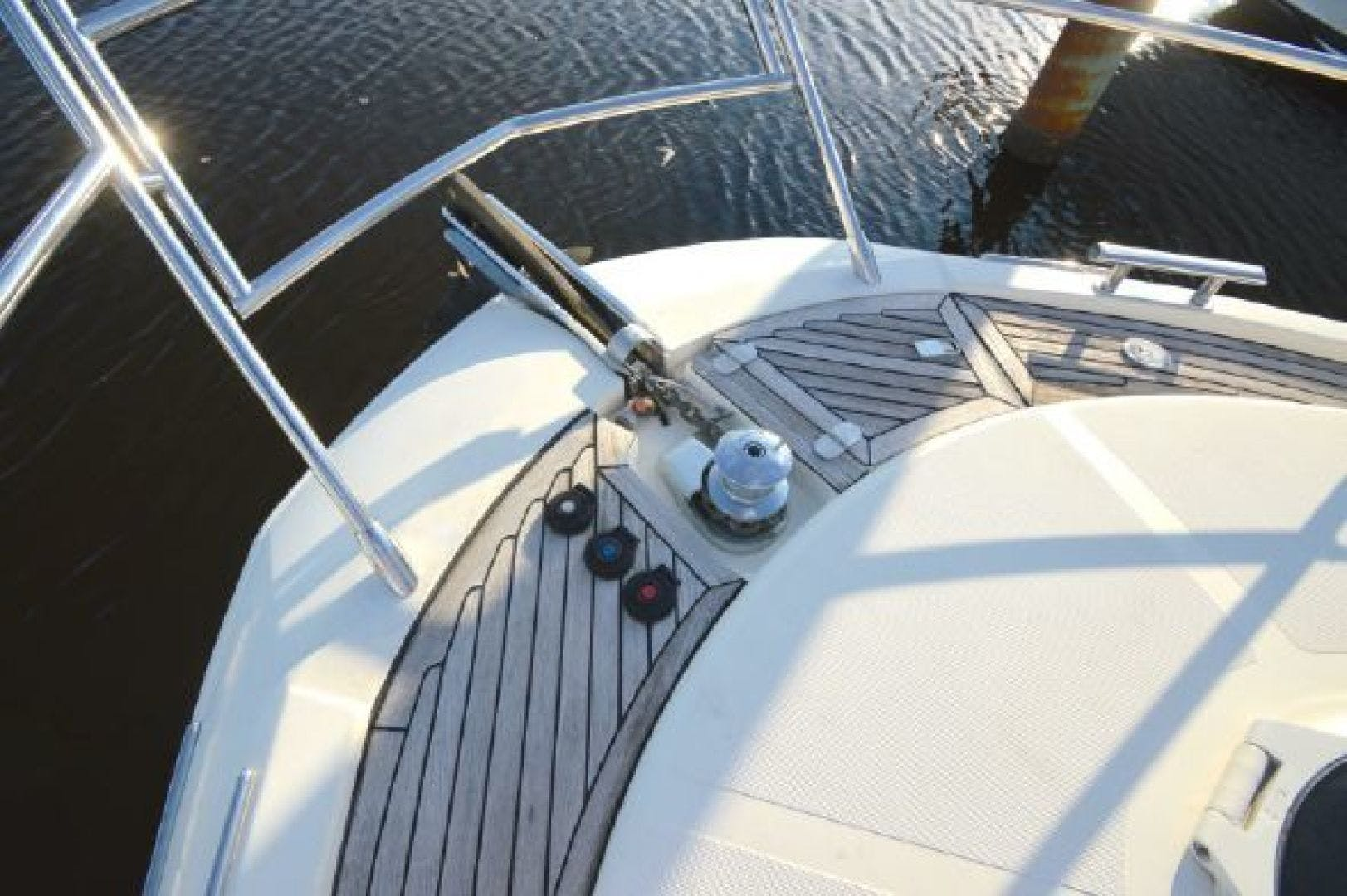 2006 Azimut 43' 43    Picture 6 of 21