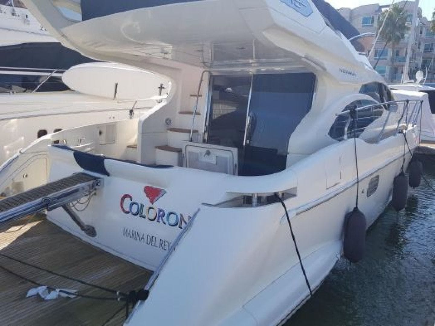 2006 Azimut 43' 43    Picture 4 of 21