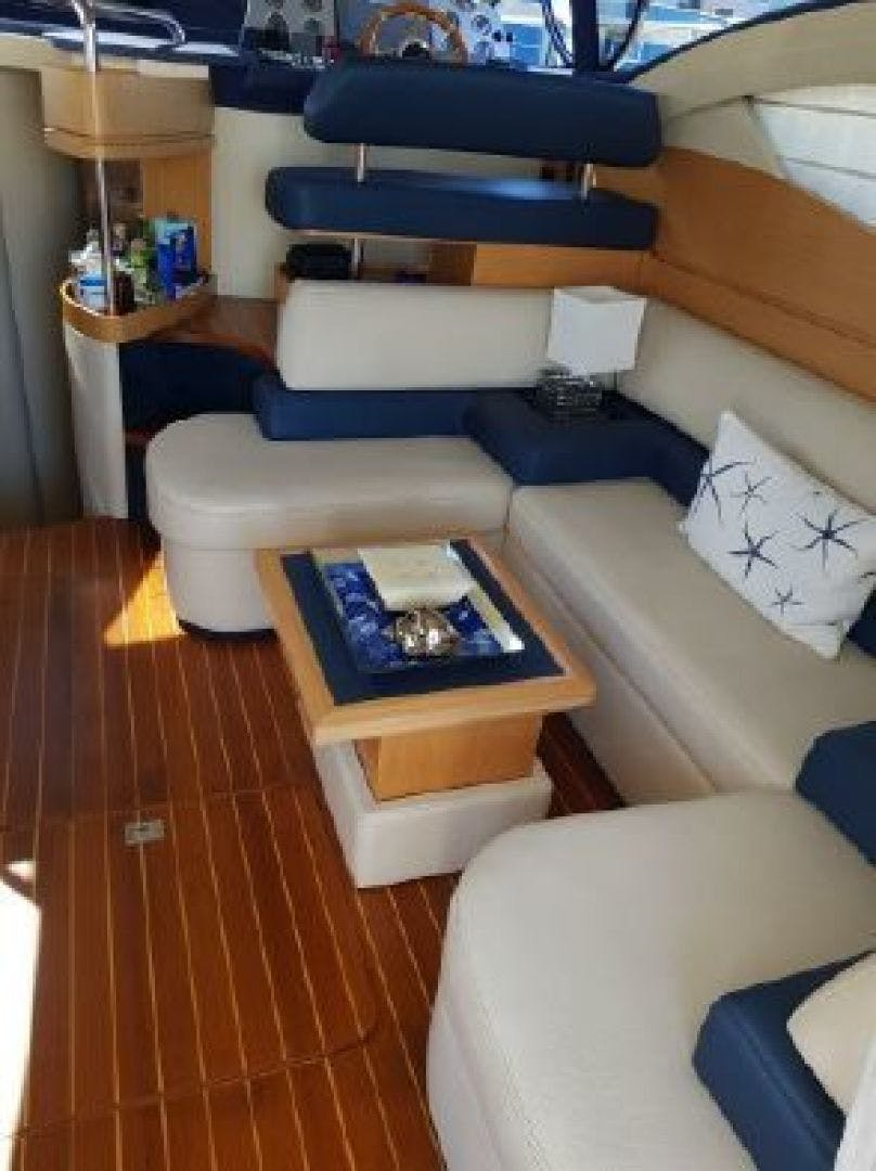 2006 Azimut 43' 43    Picture 1 of 21