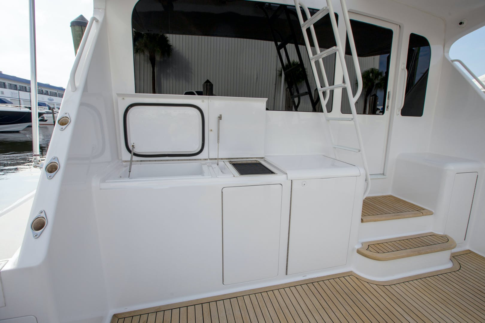 2004 Viking 61' Enclosed Bridge Sea Sea Rider | Picture 7 of 39