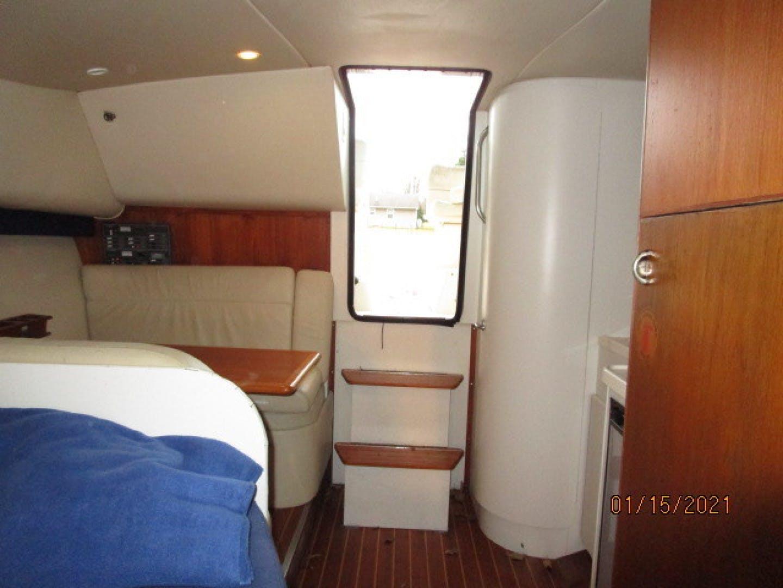 1997 Tiara Yachts 29' 2900 Spirit | Picture 3 of 19