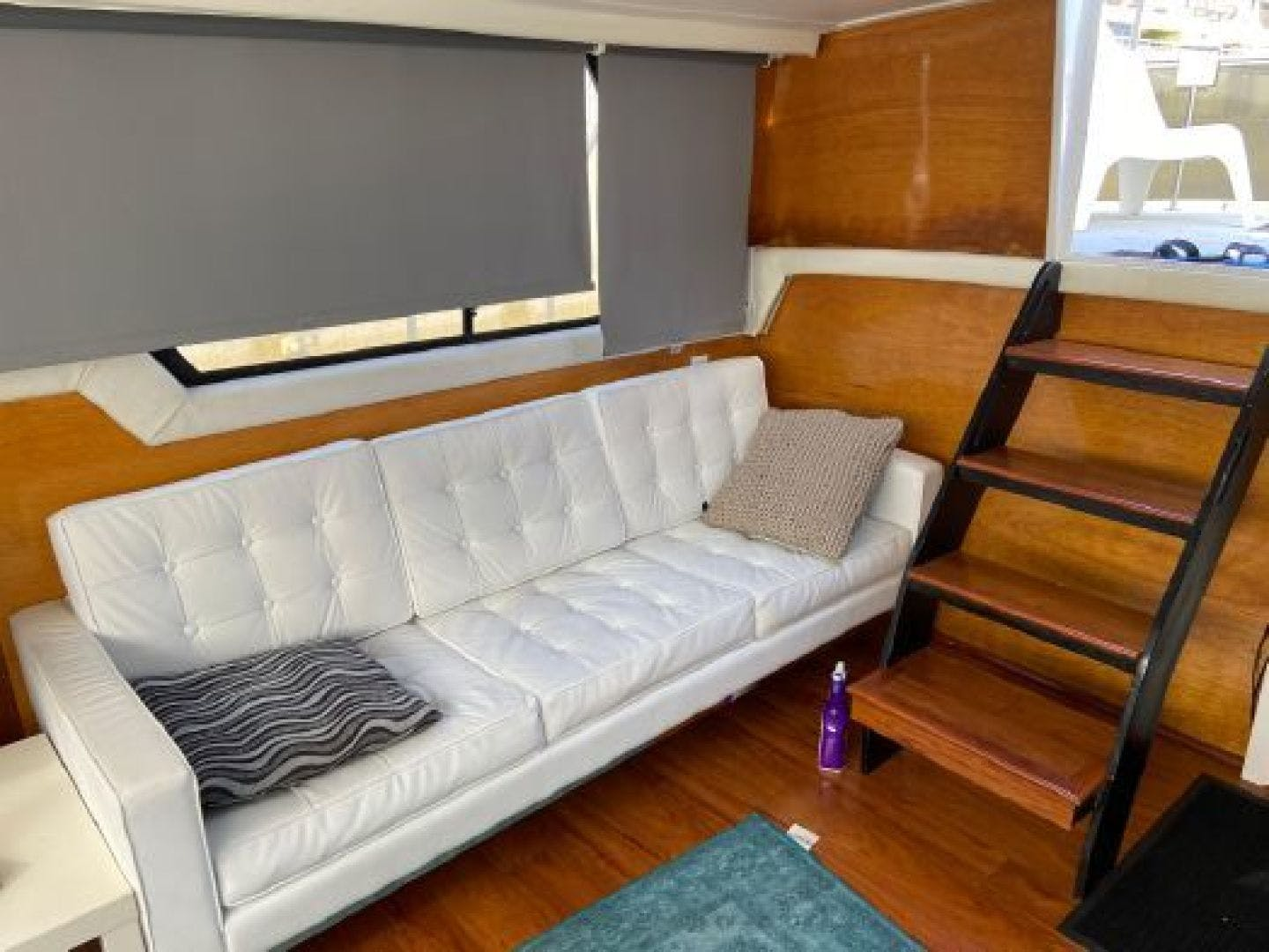 1985 Mainship 36' 36  | Picture 2 of 18