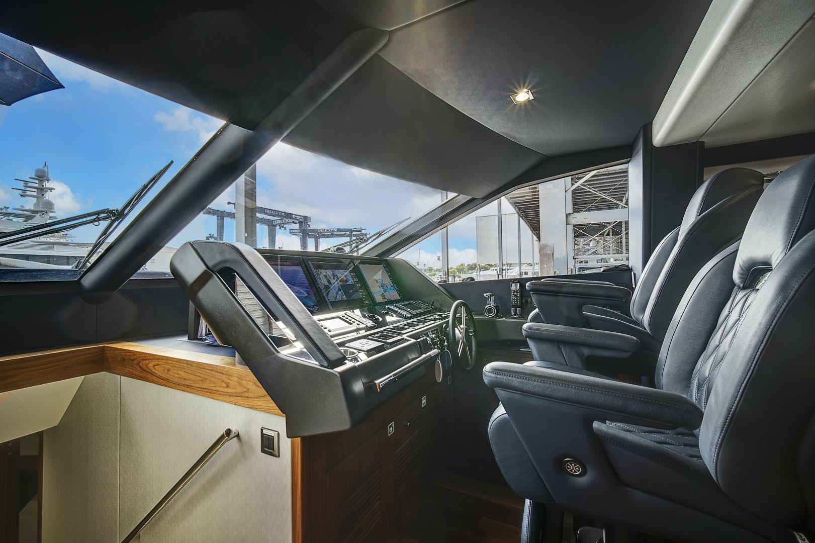 2019 Sunseeker 86' 86 Yacht It's Noon Somewhere | Picture 3 of 72