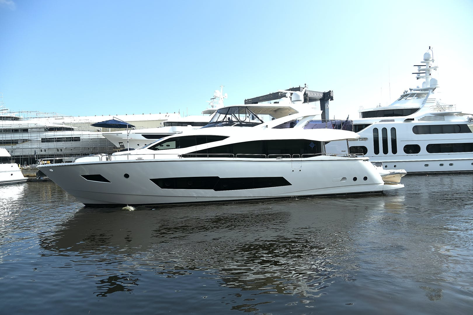 2019 Sunseeker 86' 86 Yacht It's Noon Somewhere | Picture 4 of 72