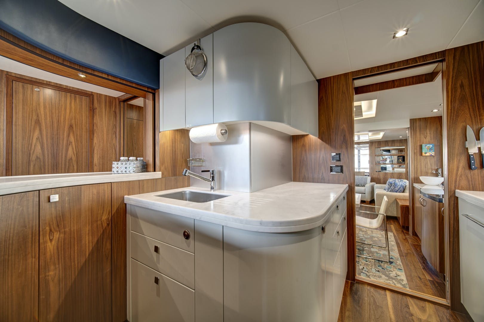 2019 Sunseeker 86' 86 Yacht It's Noon Somewhere   Picture 5 of 72