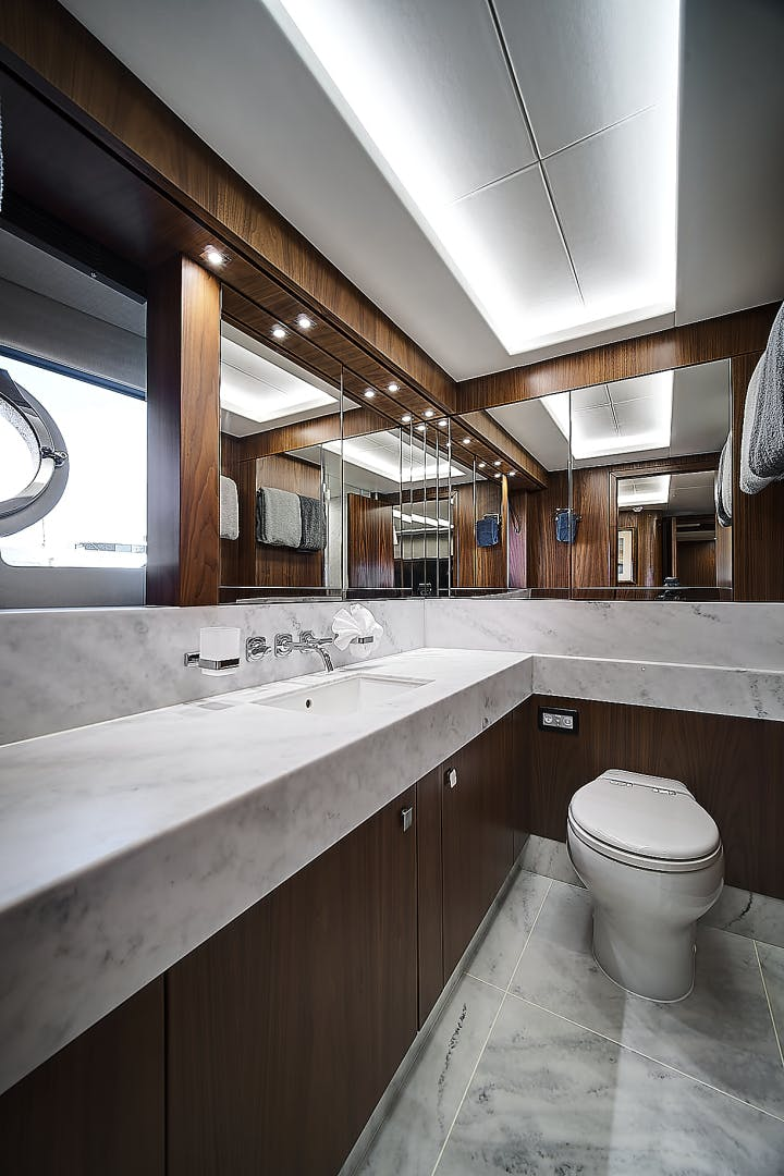 2019 Sunseeker 86' 86 Yacht It's Noon Somewhere   Picture 7 of 72