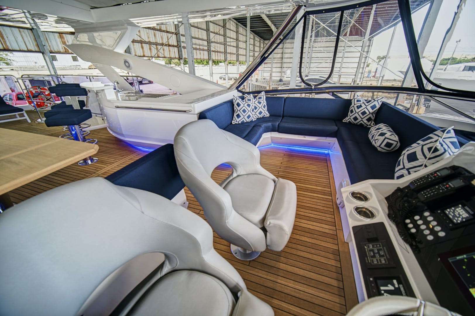 2019 Sunseeker 86' 86 Yacht It's Noon Somewhere | Picture 5 of 72