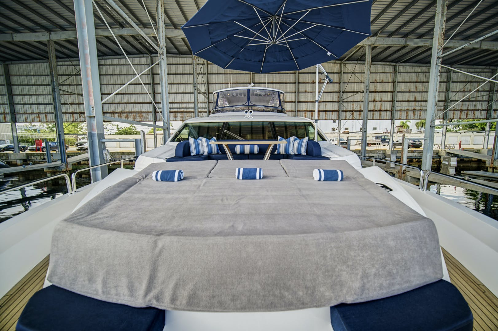 2019 Sunseeker 86' 86 Yacht It's Noon Somewhere   Picture 8 of 72