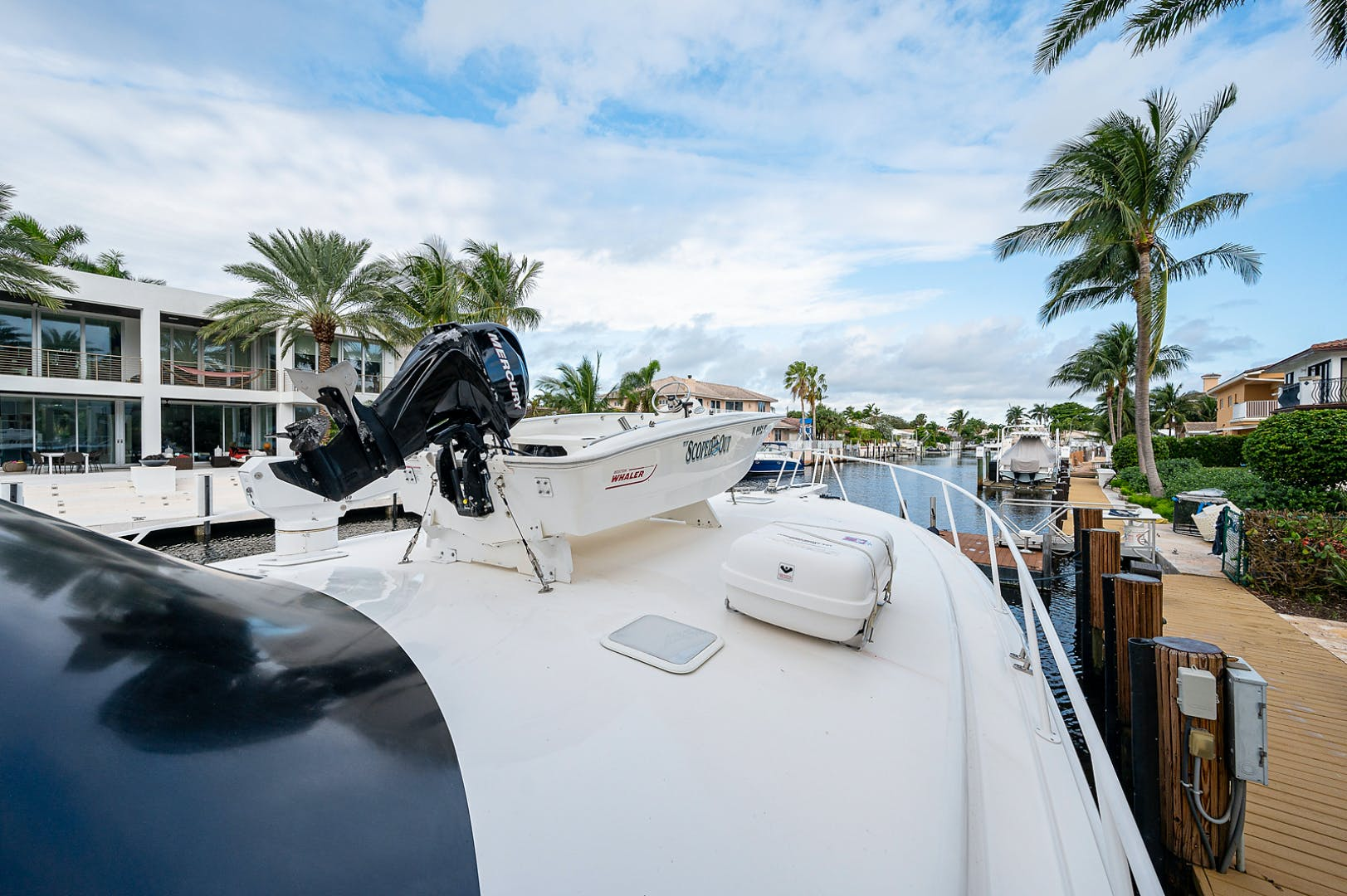 2007 Viking 64' Enclosed Bridge Scoped Out   Picture 5 of 72