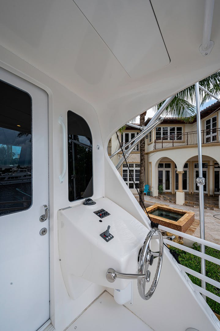 2007 Viking 64' Enclosed Bridge Scoped Out   Picture 3 of 72