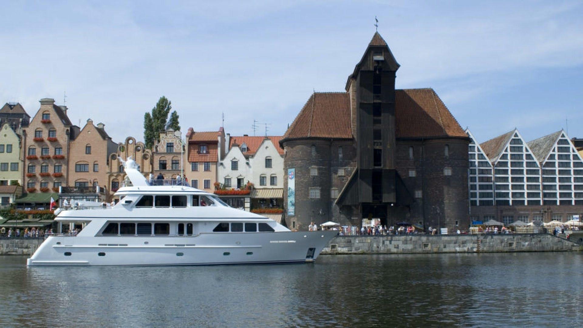 2005 Conrad Shipyard 88' 88 Motor Yacht Chillin | Picture 5 of 81