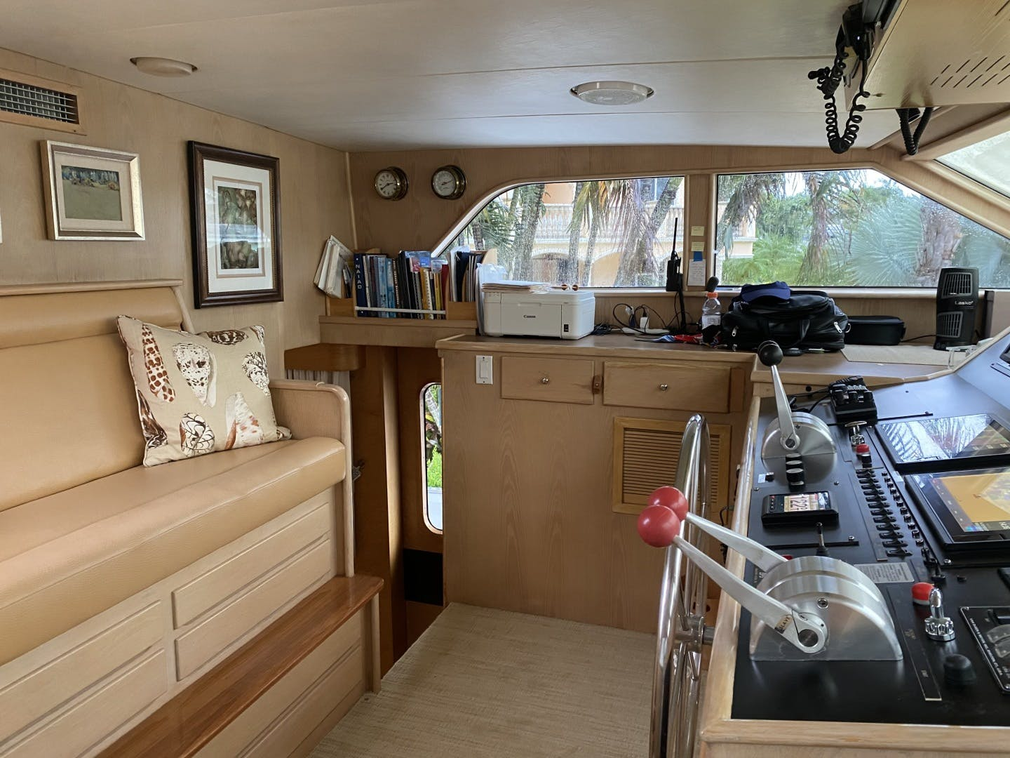 1990 Burger 83' Cockpit Motor yacht Mac Attack | Picture 4 of 40