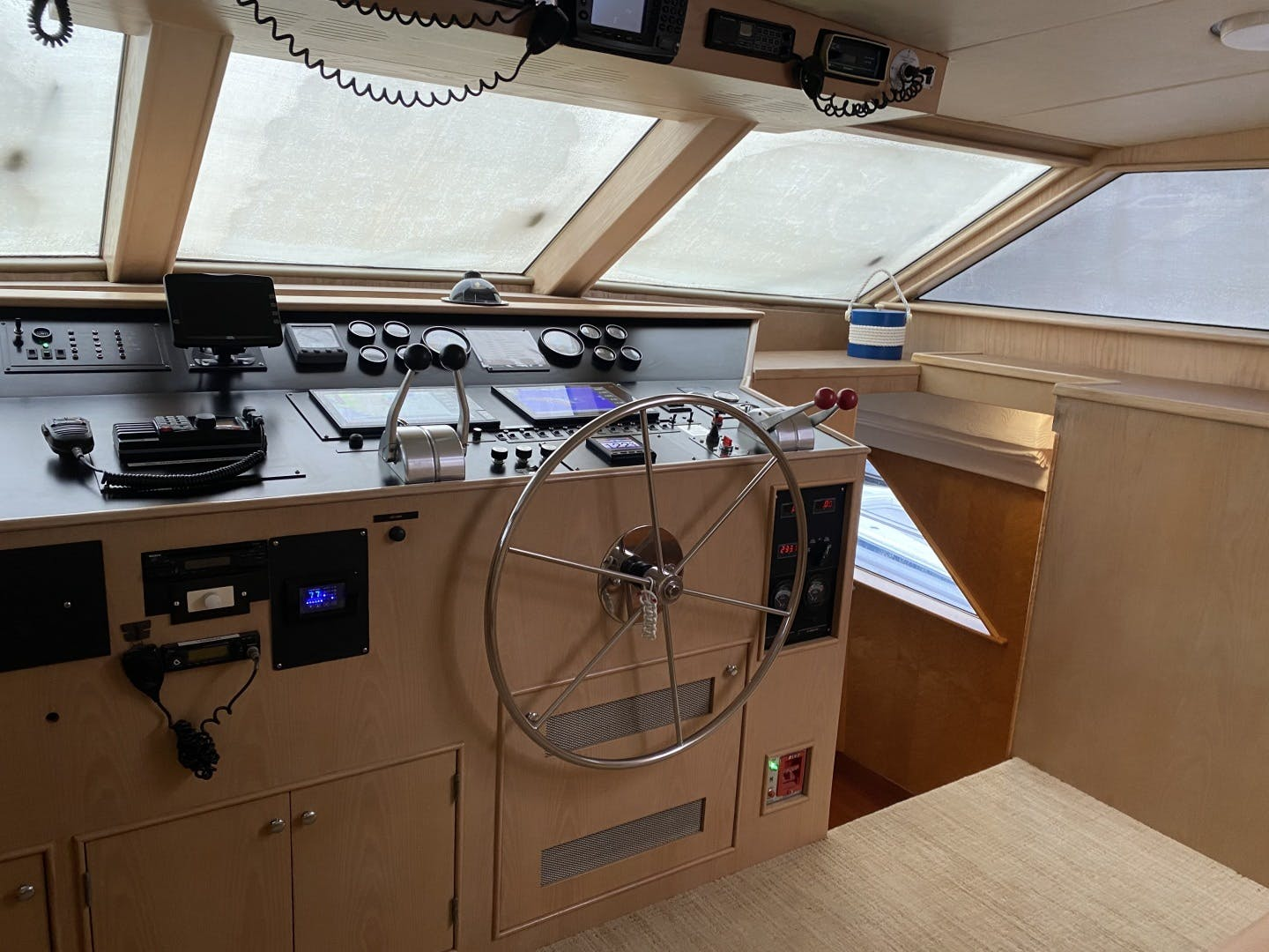 1990 Burger 83' Cockpit Motor yacht Mac Attack | Picture 3 of 40