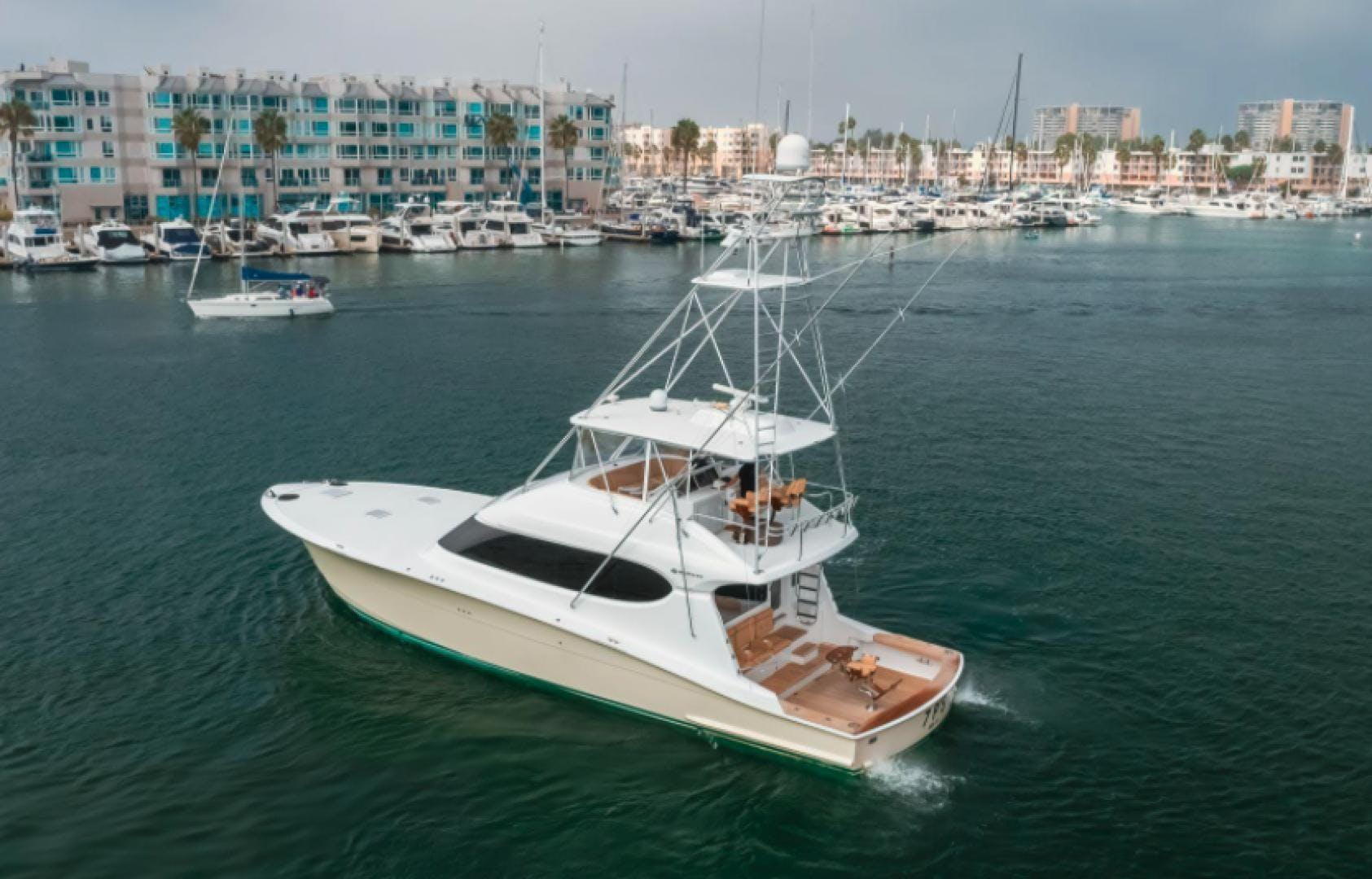 2006 Hatteras 64' Sport Fisher 7 P'S | Picture 4 of 30