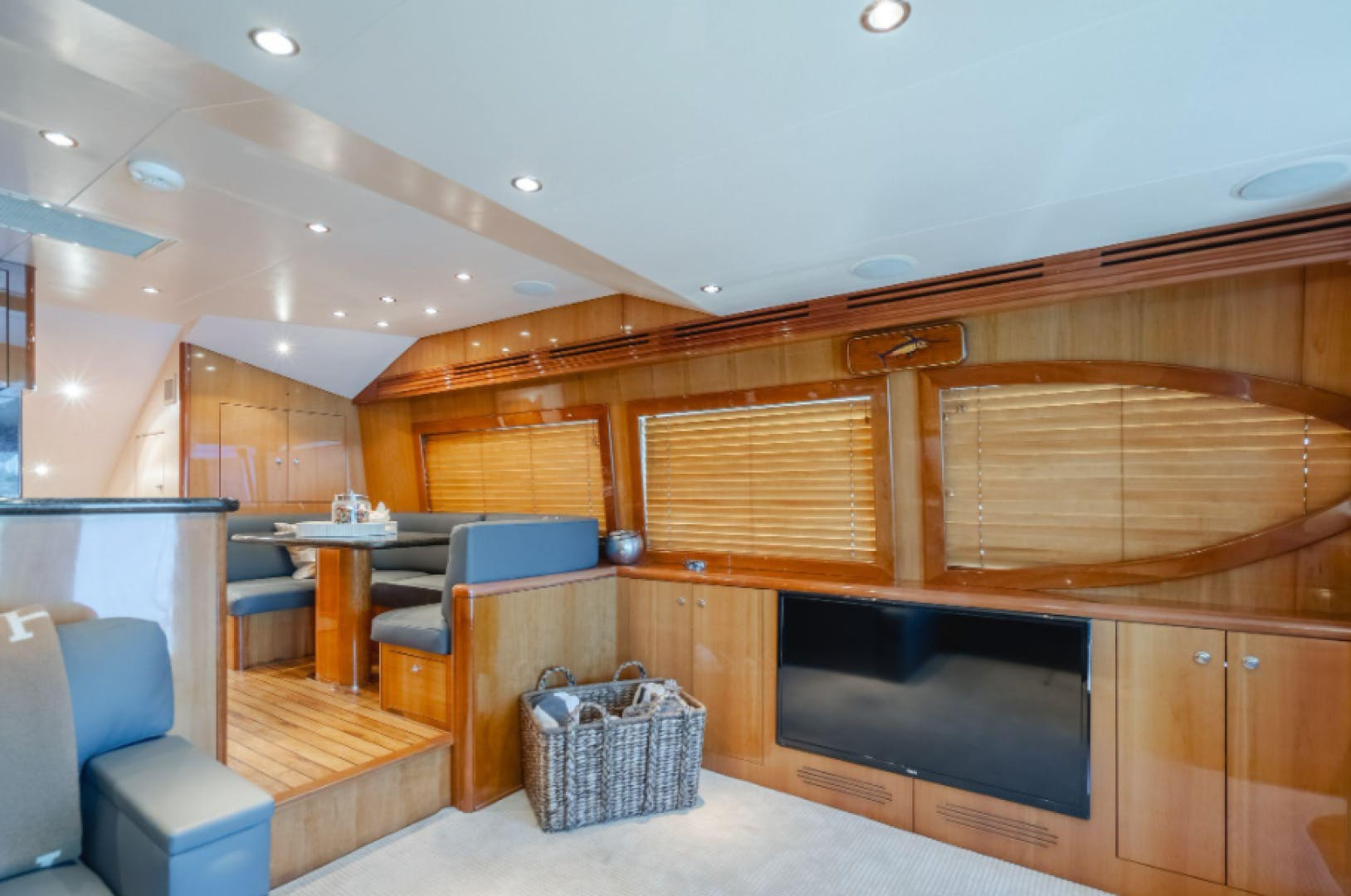 2006 Hatteras 64' Sport Fisher 7 P'S | Picture 3 of 30