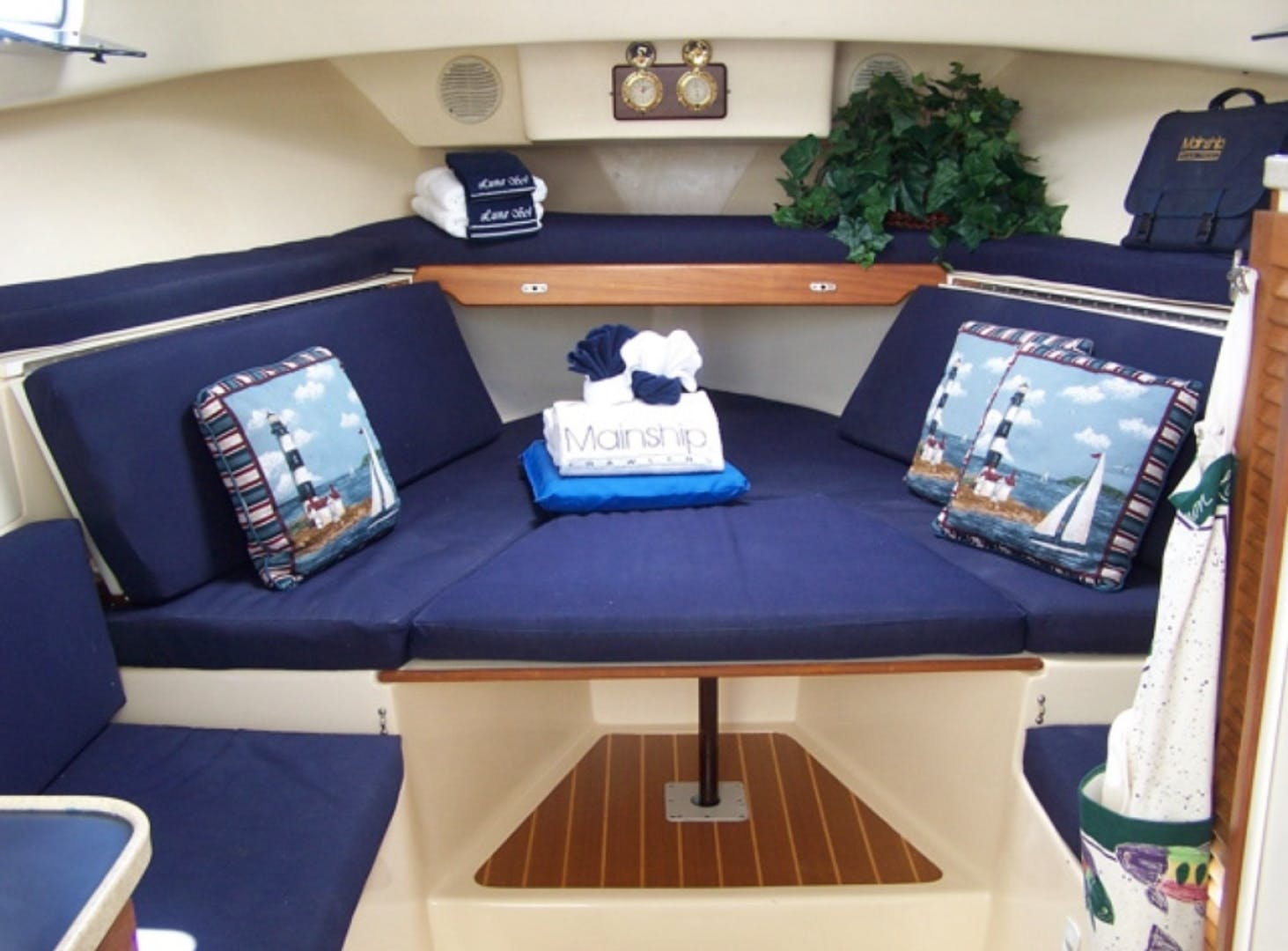 1998 Mainship 30' Pilot Luna Sol | Picture 2 of 26