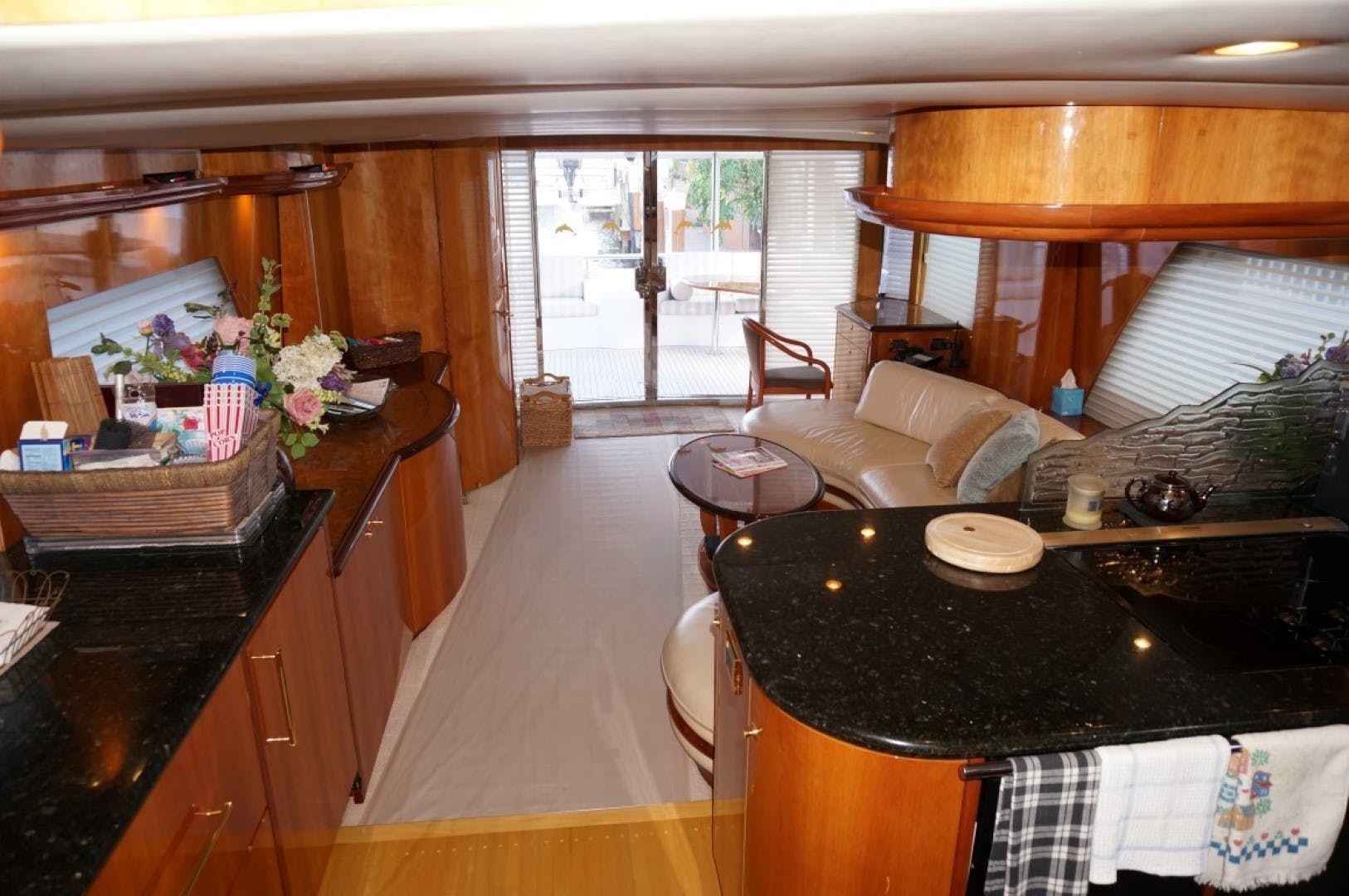 2000 Queenship 68' Admiralty Series Sweet Lady | Picture 2 of 72
