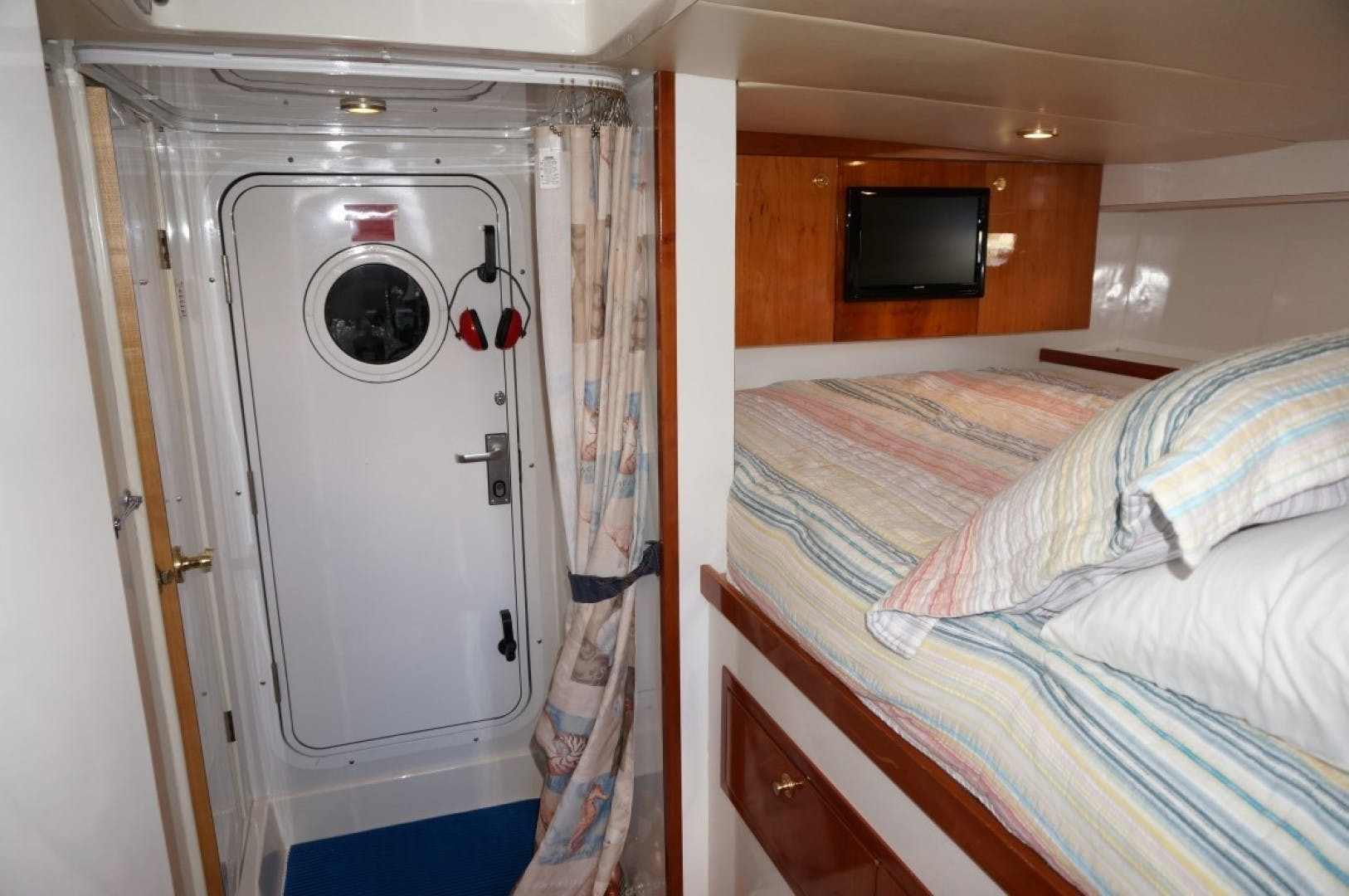 2000 Queenship 68' Admiralty Series Sweet Lady | Picture 6 of 72