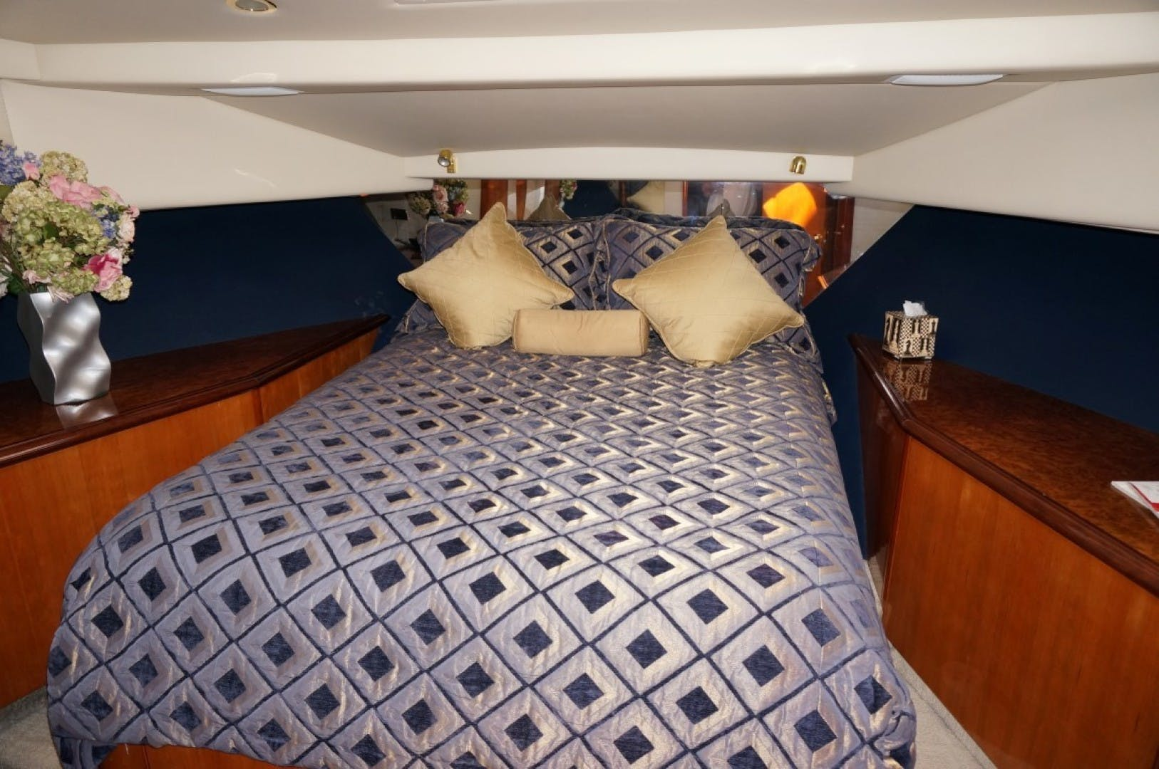 2000 Queenship 68' Admiralty Series Sweet Lady | Picture 3 of 72