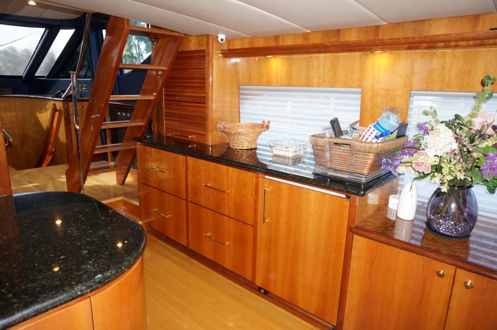 2000 Queenship 68' Admiralty Series Sweet Lady | Picture 8 of 72