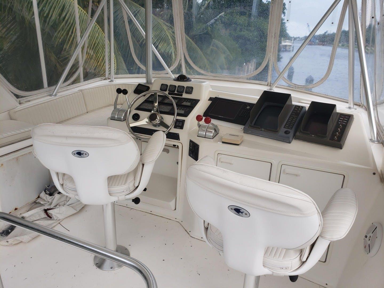 1998 Ocean Yachts 48' 48 Super Sport Hookman | Picture 5 of 24